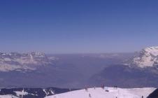 Les particules fines émises par les transport, le chauffage et l'industrie polluent la vallée de l'Arve au pied du Mont-Blanc
